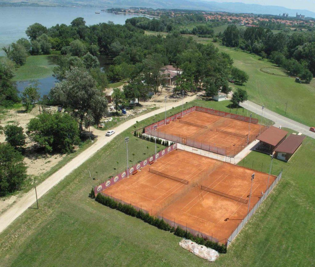 Pogled na teniske terene iz vazduha