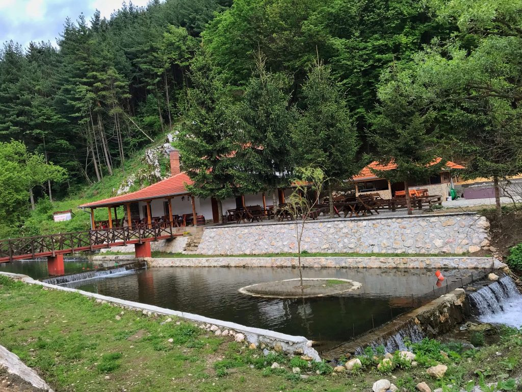 Potok i dodatni objekti u okviru kompleksa Manastir Tumane
