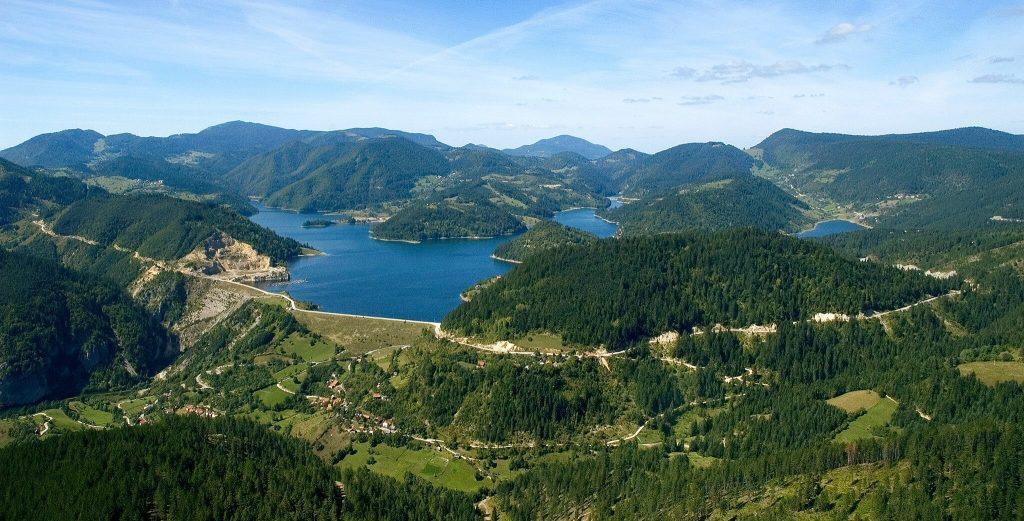 Šume, reka Dunav i Đerdapska klisura iz vazduha
